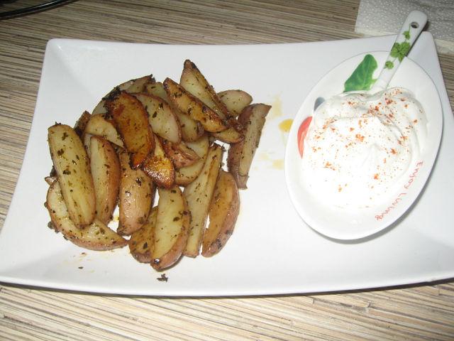 картофель запечённый по деревенски