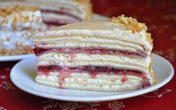 блинный сливочно-творожный торт с вишневым джемом